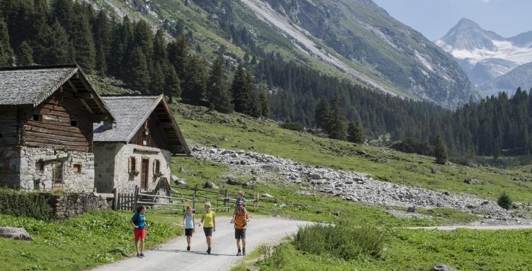 Wandern mit Aussicht auf die 3.000 der Hohe Tauern